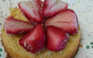 加工後【サクサクケーキ】苺の並べ方