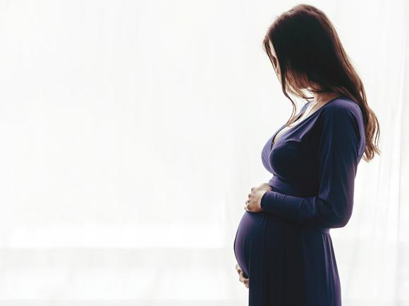 高齢出産のリスク・デメリットについて考えている妊婦さん