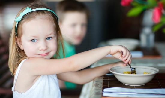 子供の外食風景