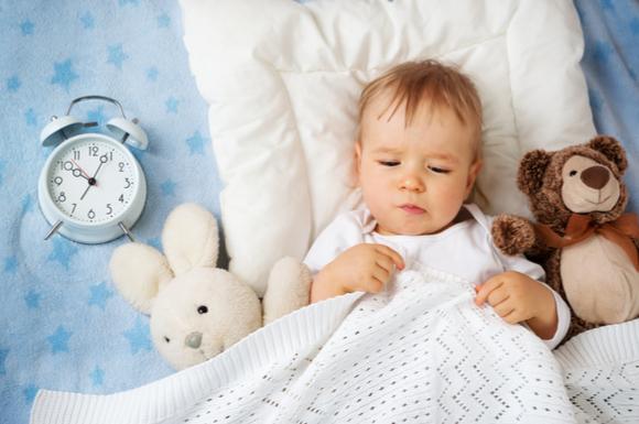 夜間断乳で赤ちゃんが寝ている様子