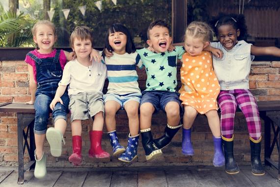 プレ幼稚園に通っている子供