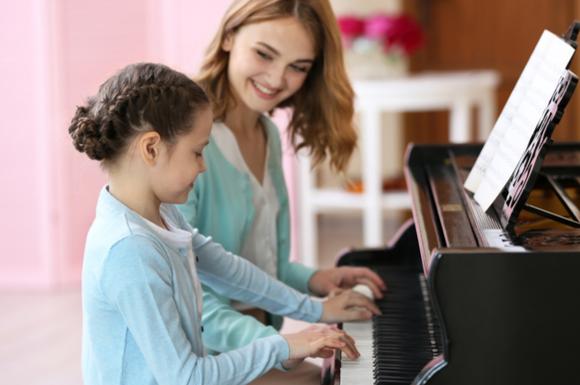 子供のピアノ教室の様子