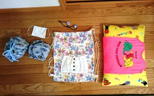 子供のサイズアウトした服を色々なものにリメイクした完成品