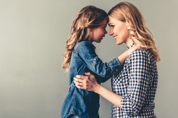 いい子症候群にならないように親がしっかりと子供と向き合っている様子