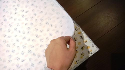 赤ちゃんのおくるみの作り方の手順