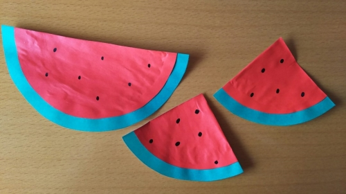 折り紙でスイカを作った完成図