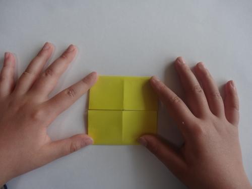 折り紙でお花を折る手順4