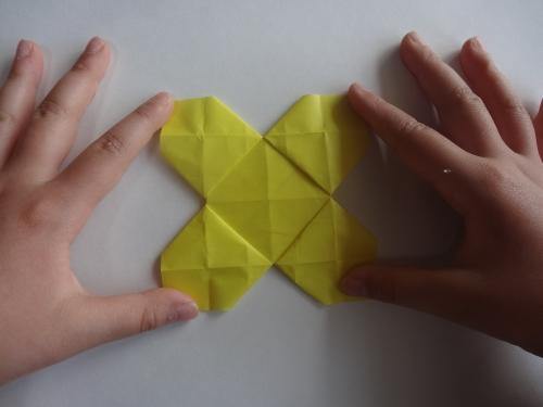 折り紙でお花を折る手順12