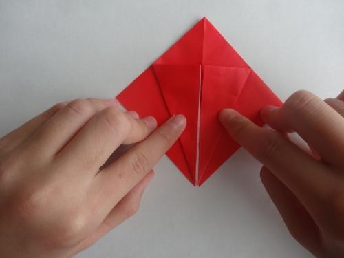 折り紙でバラを折る手順4