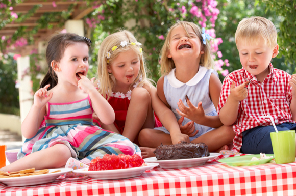 子供会のイベントに参加している子供たち