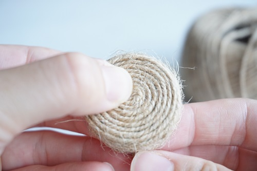 ペットボトルキャップで作る手作り麦わら帽子の作り方の手順の画像