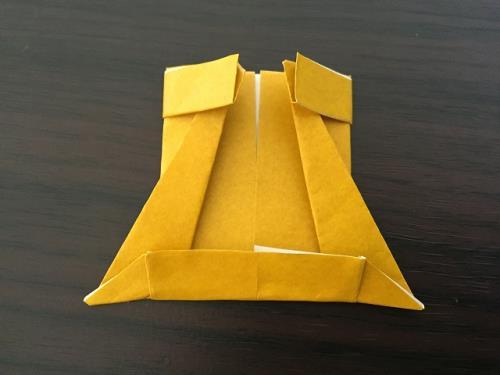 折り紙でにわとりと門松を折っている手順の画像