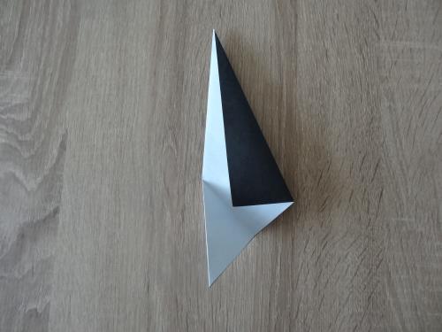 折り紙でペンギンを折る手順の画像