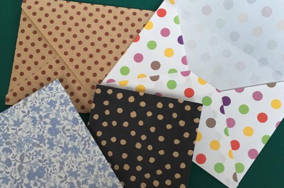 折り紙で小さな封筒ができる縦型横型2種類の作り方をご紹介 March