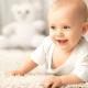 新生児期からの赤ちゃんの短肌着・長肌着!成長に合わせ無駄なく活用