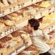 購入前のパンに触る・・パン屋さんでのマナーを覚えてもらうしつけ方